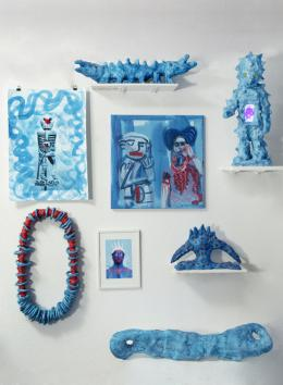 Stefan Rohner, Kuriosenkabinett Rot-Blau, 2019 Multimediainstallation