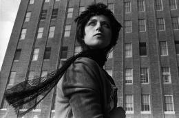 Cindy Sherman, Un Untitled Film Still #58, 1980, Silbergelatineabzug, 67,5 x 100,5 cm Kunstmuseum Wolfsburg, Courtesy of the artist and Metro Pictures, New York