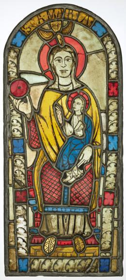 Flumser Madonna, Die Kapelle ist der Heiligen Jungfrau Maria und dem Heiligen Jakob geweiht. Das Abbild der Patronin befand sich im Chorfenster, dem bedeutendsten Ort in der Kapelle. Kirchenfenster, um 1200, Herkunft Kapelle St. Jakob, Gräpplang bei Flums, farbige Gläser, bemalt © Schweizerisches Nationalmuseum