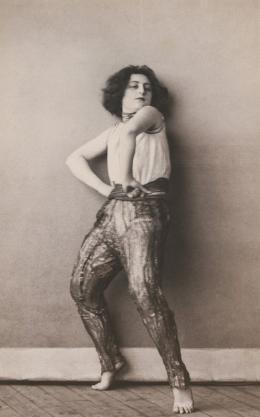"Gertrud Kraus in ""Wodka"", um 1924, Foto: Martin Imboden, Theatermuseum © KHM-Museumsverband"