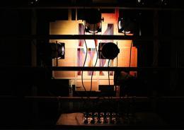 Kurt Schwerdtfeger: Reflektorische Farblichtspiele, 1922. Lichtperformance, Detailfoto des rekonstruierten Apparats von 2016; Courtesy of Microscope Gallery and Kurt Schwerdtfeger Estate\r\n, © 2016 Microscope Gallery