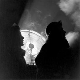 Lee Miller, Auxiliary Territorial Service searchlight operators, Nord-London, 1943, © Lee Miller Archives England 2020. Alle Rechte vorbehalten. www.leemiller.co.uk