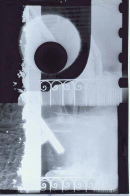 """Ferry Radax, Abstraktes Foto aus """"Sonne halt!"""", 1959/1962 Vergrößerung eines Filmkaders Silbergelatineabzug auf Barytpapier Museum der Moderne Salzburg"""