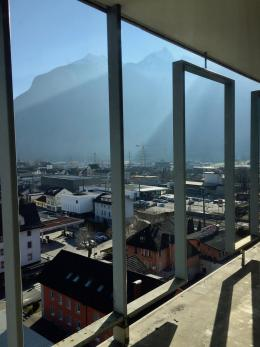 Ausblick auf den nicht betretbaren Balkon im 10. Stockwerk (© MPS)