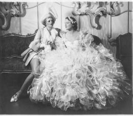 René Hubert, Musicalkostüme für Madge Elliott und Edna Best in Cinderella, Coliseum Theatre London,1936, Museum für Gestaltung Zürich, Kunstgewerbesammlung © Anonym