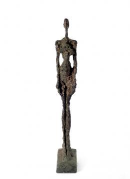 Alberto Giacometti (1901-1966), Frau aus Venedig I, 1956 Bronze, 106 x 13.5 x 29 cm, Kunstmuseum Bern © Succession Alberto Giacometti / 2021, ProLitteris, Zürich Foto: Kunstmuseum Bern