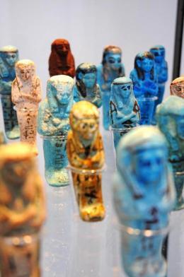 12481-12481gruppevontotenfiguren.jpg