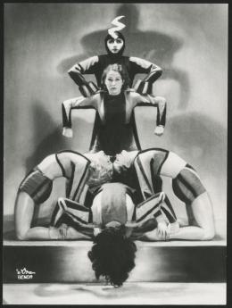 """Tänzerinnen des Ensembles Gertrud Bodenwieser in """"Dämon Maschine"""", 1936, Foto: d'Ora-Benda,  Theatermuseum © KHM-Museumsverband"""