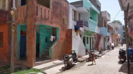 Beispiel für Doshi's sozialen Wohnungsbau für einkommensschwache Bevölkerungsgruppen: »Aranya Low Cost Housing for Indore Development Authority«, Indore, 1989 © Vastushilpa Foundation, Ahmedabad