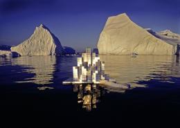 Heinz Mack, Licht-Architektur (Modell für eine schwimmende Forschungsstation in der Arktis), Grönland/Arktis, 1976, Courtesy Archiv Atelier Heinz Mack © Heinz Mack/VG Bild-Kunst, Bonn, 2021 Fotografie: Thomas Höpker