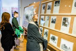 Ausstellung Retropia. Sprechen über Sehnsuchtsbilder vom Land. Foto: kollektiv fischka / kramar © Volkskundemuseum Wien