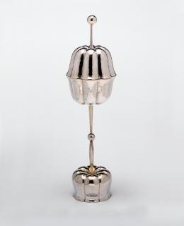 Otto Prutscher, Deckelpokal, Wien, 1927/28 Ausführung: Josef Carl Klinkosch Silber, vergoldet, getrieben, gehämmert, gegossen © MAK