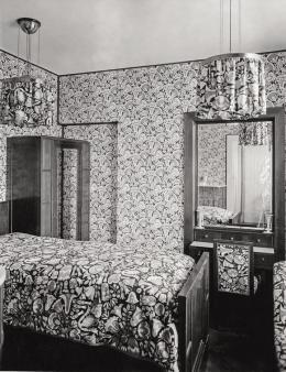 Otto Prutscher, Musterzimmer mit Lampen, Tapeten und Stoffen der Wiener Werkstätte, um 1910 © Archivio Famiglia Otto Prutscher, Mailand