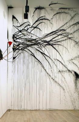 Rebecca Horn, Les Amants, 1991 Installationsansicht, Galerie de France, 2003  Rebecca Horn Collection  © 2019: Rebecca Horn/ProLitteris, Zürich
