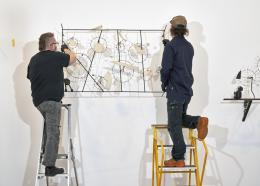 """Installationsansicht """"Neue Sammlungspräsentation im Museum Tinguely"""" © 2021, Museum Tinguely, Foto: Daniel Spehr"""
