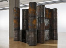 Sheela Gowda Darkroom, 2006, Ausstellungsansicht Lenbachhaus, 2020, Foto: Lenbachhaus, Simone Gänsheimer © Sheela Gowda