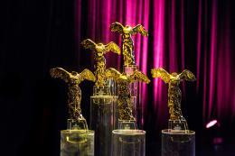 Goldene Nicas / Fotocredit: Tom Mesic