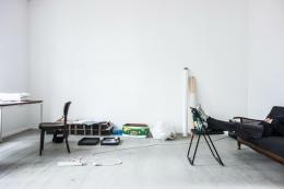 Maria Anwander, In the Studio N°84 Telepathically trying to make Ute Meta Bauer show my work, 2016-2019 (fortlaufend), Pigmentdruck auf Baryt © Maria Anwander