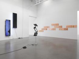 Walead Beshty *1976 Open Source, 2017 (Ausstellungsansicht) Petzel, New York, NY  © Walead Beshty, Courtesy des Künstlers Foto: Christopher Burke