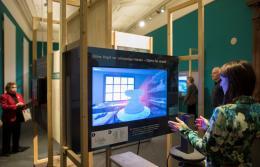 Virtuelle Töpferscheibe / Fotocredit: Museum für Kommunikation Berlin, Foto: Kay Herschelmann
