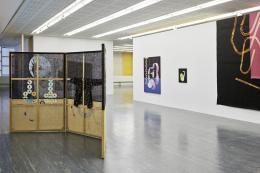 """Ausstellungsansicht """"Maja Vukoje. Auf Kante"""",  Foto: Johannes Stoll / Belvedere, Wien © Bildrecht, Wien 2020"""