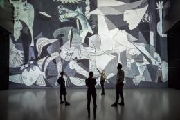 Pablo Picassos Guernica in Deep Space 8K © Foto: Ars Electronica – Robert Bauernhansl