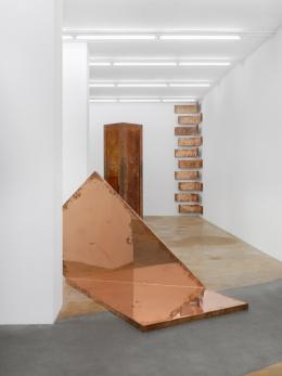 Walead Beshty , 2019 (Ausstellungsansicht) Musée d'art moderne et contemporain, Geneva, Switzerland © Walead Beshty, Courtesy des Künstlers Foto: Annik Wetter