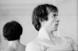 Rudolf Nurejew bei einer Probe für Don Quixote, Choreografie: Rudolf Nurejew, Musik: Ludwig Minkus, 1977 Foto: Bundestheater-Holding GmbH/ Helmut Koller