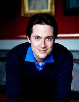 Leo McFall wird der neue Chefdirigent des Symphonieorchester Vorarlberg (Copyright: Ronald Knapp).
