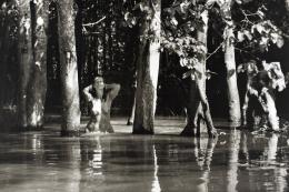 Bad im Fluss, 1998 © Andrea Altemüller