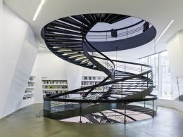 Aargauer Kunsthaus, Aarau, Treppe im Foyer, Foto: Georg Aerni, Zürich