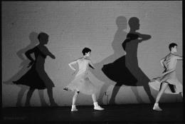 Fase, Four Movements to the Music of Steve Reich, 1982. Eine Choreografie von Anne Teresa De Keersmaeker; Foto © Jean Luc Tanghe