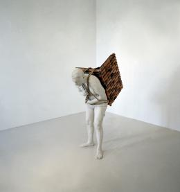 Adrian Paci, Home to go, 2001 © Adrian Paci