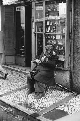 Nikolaus Walter: Straßenkünstler in Lissabon (© Walter)