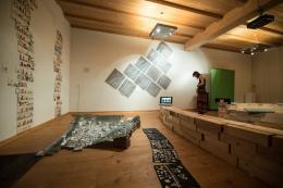 Blick in die Ausstellung 'Die Topografie des Sozialen' (© Nicolaj Goergiev)