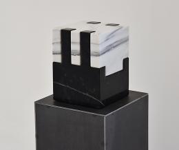 Herbert Meusburger: O.T., 2020, Granit u. Marmor (Foto: Karlheinz Pichler)