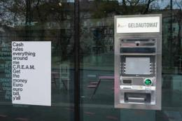 "Kunsthaus-Bankomat,  ""C.R.E.A.M."", Superflex, Foto: Universalmuseum Joanneum/N. Lackner"