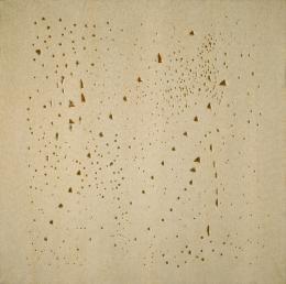 Lucio Fontana Concetto spaziale , 19 49/1950 Ungrundierte Leinwand, durchlöchert Kunsthaus Zürich, Geschenk Teresita  Rosini Fontana, 1976 © Kunsthaus Zürich