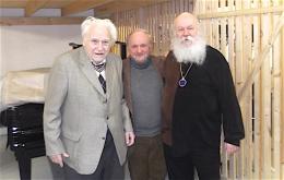 Jörg Demus (links) mit Manfred Jahn und Werner Bartschi (Bild: konzertagentur Jahn)