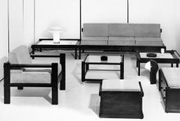 Die von der Kufsteiner Firma Pirmoser produzierte und 1969 mit dem österreichischen Staatspreis für gute Form ausgezeichnete Variante des Steckmöbelprogramms – © V. Wiedemann-Wolfan