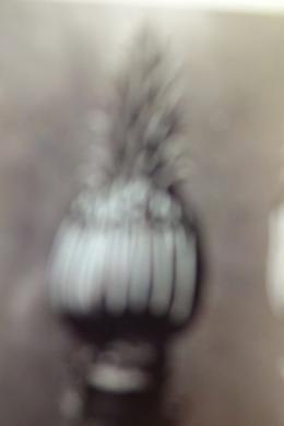 Eva-Maria Schön, aus der Serie: Unschärfe, 2019, Tintenstrahldruck auf Barytpapier, 78,5 x 54 cm, Leihgabe der Künstlerin © VG Bild-Kunst, Bonn 2021
