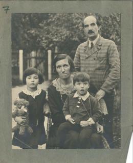 Familie Brauer, Wien, 1933 © Privatbesitz Arik Brauer