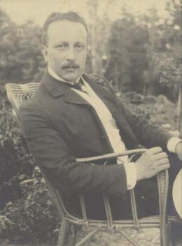 Felix Salten, vermutlich in seinem Landhaus in Pötzleinsdorf, 1904  © Wienbibliothek im Rathaus