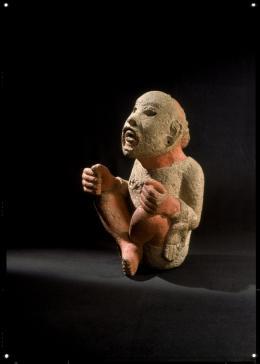 Figur des Gottes Xipe Totec © Museum der Kulturen Basel, Foto: Peter Horner
