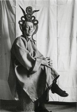 Unbekannte/r Fotograf/in, Erika Schlegel (Schwester von Sophie Taeuber-Arp), Zürich, 1920er-Jahre Aargauer Kunsthaus, Aarau © Aargauer Kunsthaus