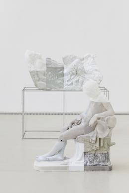 Oliver Laric, Reclining Pan, 2021, Sleeping Boy, 2021, Ausstellungsansicht, Halle für Kunst Steiermark, Graz, Foto: © kunst-dokumentation.com