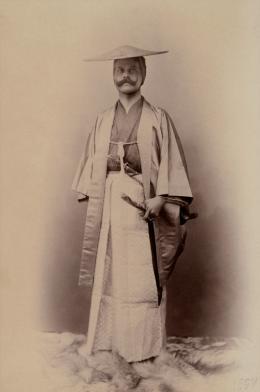 Heinrich Freiherr von Siebold in japanischer Tracht, 1897 © Siebold-Archiv Burg Brandenstein