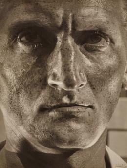 Helmar Lerski Verwandlungen durch Licht, 537, 1935-1936 Silbergelatinepapier © Nachlass Helmar Lerski – Museum Folkwang, Essen
