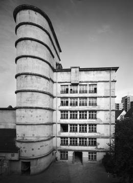 Boris Becker: Hochbunker Leverkusen Karlstrasse, 1987. 38 x 28 cm; VG Bild-Kunst, Bonn