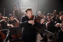 Daniel Hobe mit seinem Zürcher Kammerorchester (Foto: Sandro Diener)